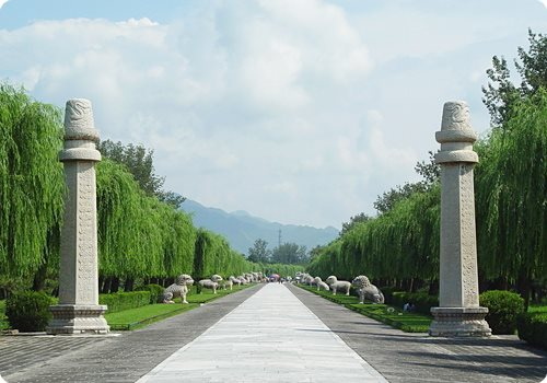 The Sacred Way is a main way leading to the thirteen imperial tombs inside the scenic area.